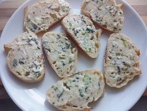 Baguette_herb butter